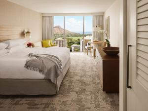 Diamond Head Ocean View King Room
