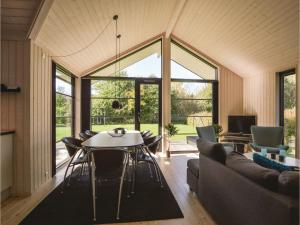 Four-Bedroom Holiday Home in Farevejle, Holiday homes  Fårevejle - big - 13