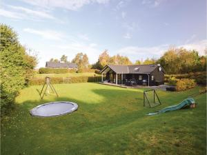 Four-Bedroom Holiday Home in Farevejle, Holiday homes  Fårevejle - big - 9