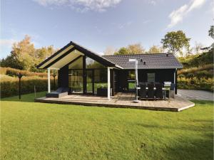Four-Bedroom Holiday Home in Farevejle, Holiday homes  Fårevejle - big - 1