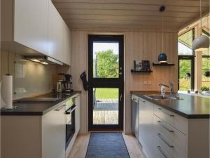 Four-Bedroom Holiday Home in Farevejle, Holiday homes  Fårevejle - big - 18