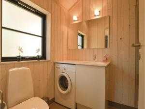 Four-Bedroom Holiday Home in Farevejle, Holiday homes  Fårevejle - big - 3