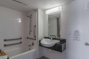 Double Room - Disability Access with Roll-in Shower