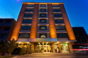 Photo of Toscana Inn Hotel