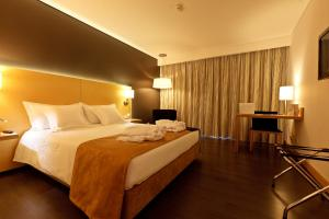 Photo of Hotel Mercure Braga Centro