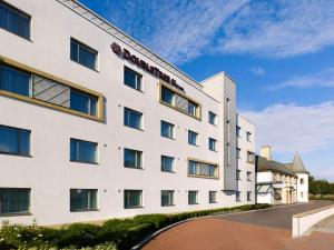 DoubleTree by Hilton London Heathrow Airport in Hounslow, Greater London, England