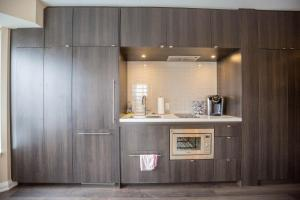 Jet furnished Suites Yorkville, Apartmány  Toronto - big - 47