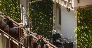 Solaris B&B, Bed & Breakfast  Milazzo - big - 23