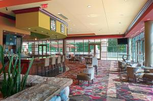 Embassy Suites Charlotte - Concord/Golf Resort & Spa, Hotely  Concord - big - 56