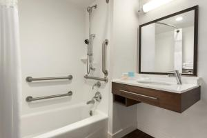 Queen Room with Two Queen Beds Mobility/Hearing Access