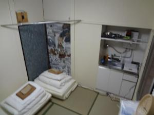 Apartment With Shared Bathroom