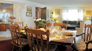 Abbotswood House, An English Bed and Breakfast