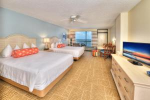 Queen Room with Two Queen Beds and Kitchen - Ocean View