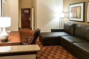 King Suite - Disability Access/Non-Smoking
