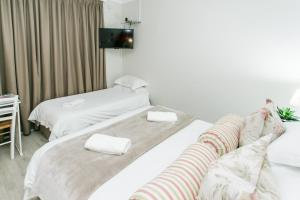 Deluxe Twin Room with Extra Bed