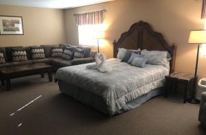 Mini Suite with King Bed