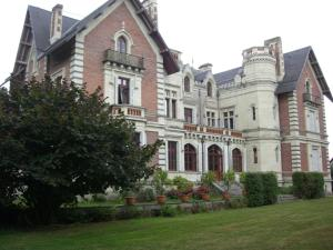 Photo of Château De Belle Poule