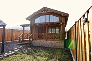 Canadian Log House, Villas  Bakuriani - big - 19