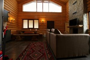 Canadian Log House, Villas  Bakuriani - big - 49