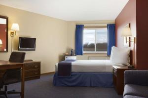 Travelodge St Cloud, Hotels  Saint Cloud - big - 1