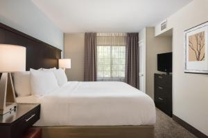 Staybridge Suites Chantilly Dulles Airport, Hotels  Chantilly - big - 16