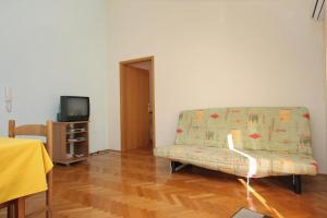 Apartment Slatine 5999d, Appartamenti  Slatine - big - 9