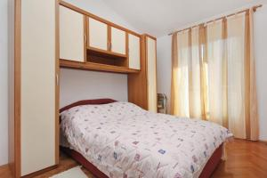 Apartment Slatine 5999d, Appartamenti  Slatine - big - 10