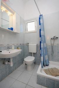 Apartment Slatine 5999d, Appartamenti  Slatine - big - 11