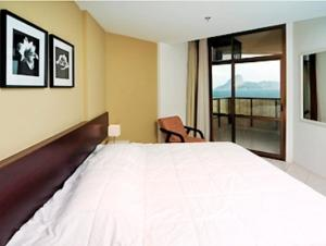 Superior Room with 1 Double Bed & Sofa