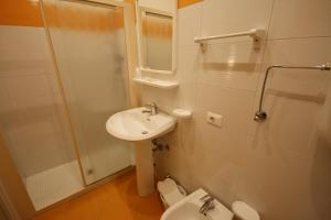 Standard Triple Room with Spa Access