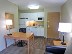 Extended Stay America - Boston - Waltham - 32 4th Avenue, Aparthotels  Waltham - big - 5
