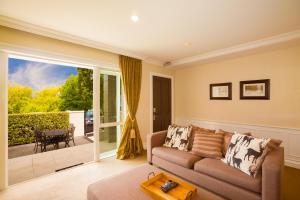 Super Central Lakeside Villa, Holiday homes  Queenstown - big - 9