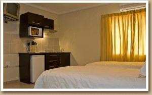 Self-Catering Room B (2)
