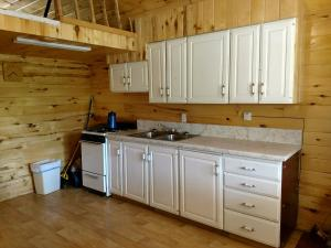 Camp Jackson One-Bedroom Lake Cabin