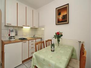 Two-Bedroom Apartment 0 in Porec, Apartmanok  Poreč - big - 22