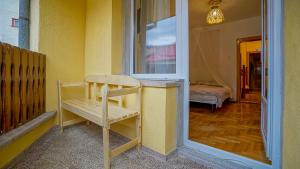 Double Room with Shared Bathroom with balcony