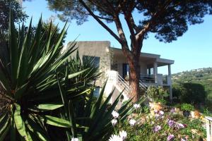 "Photo of Studios ""Villa Coeur Sur Mer"""