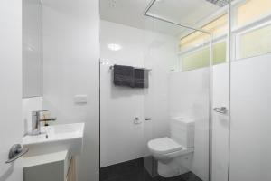 Modern Great value 2 bedroom with Netflix, Apartmány  Brisbane - big - 7