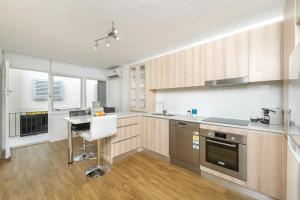 Modern Great value 2 bedroom with Netflix, Apartmány  Brisbane - big - 10