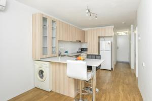 Modern Great value 2 bedroom with Netflix, Apartmány  Brisbane - big - 11