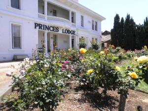 Princes Lodge Motel