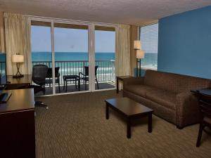 King Suite with One King Bed - Oceanfront - Non-Smoking