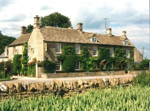 Inn For all seasons in Burford, Oxfordshire, England
