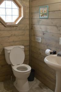 Queen Room with En Suite Bathroom