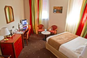 Best Western Toulouse Centre Les Capitouls, Hotely  Toulouse - big - 8