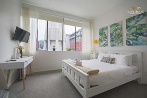Sky Tower Stunner Apartment, Apartments  Auckland - big - 21