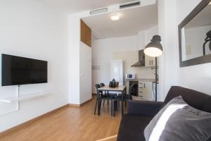 Flatsforyou Port Design, Apartments  Valencia - big - 11