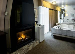 Superior King Room with Fireplace and Double Spa Bath