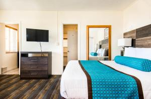 Standard King Room - Oceanfront