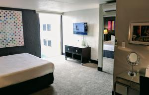 Junior Suite with King Bed